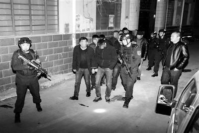 兰州市警方捣毁多个赌博犯罪窝点 抓获涉赌人员66人缴获赌资21万
