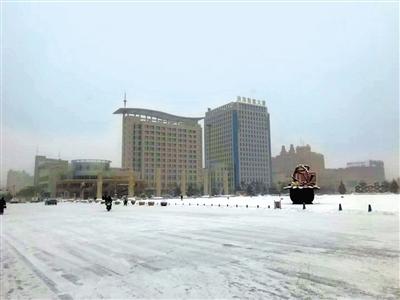 酒嘉气温骤降至-20℃进入严冬模式 连霍高速公路酒泉段交通管制