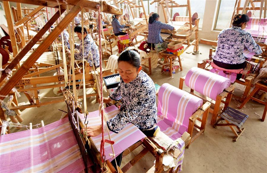 (社会)(1)河北衡水:精准扶贫助力农村留守妇女就业
