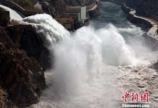 黄河进入凌汛期 刘家峡水库控出库流量保防凌