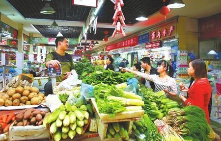 """甘肃新闻五泉菜市场:""""菜篮子""""里装满幸福"""
