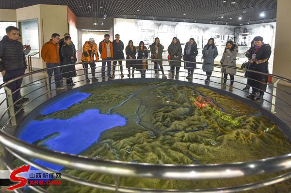 全国网媒记者参观八路军太行纪念馆 重温抗战历史