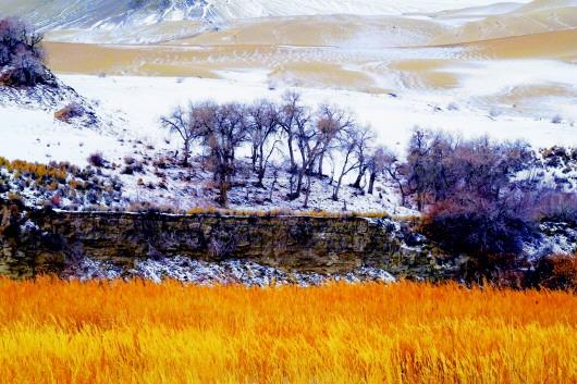 雪后的阿克塞景色迷人