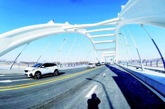 酒银路北大河大桥正式通车