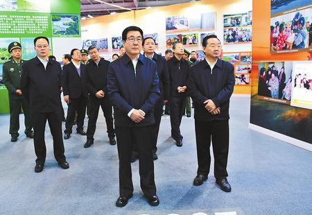 甘肃省庆祝改革开放40周年图片展开幕 林铎讲话 唐仁健欧阳坚孙伟等参观