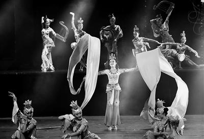 """甘肃省舞蹈大赛绽放""""神采"""" 46部优秀作品、390名舞者脱颖而出捧奖"""