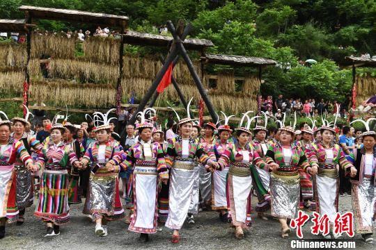 甘肃:乡村旅游绿色崛起 逾三万贫困户实现旅游脱贫