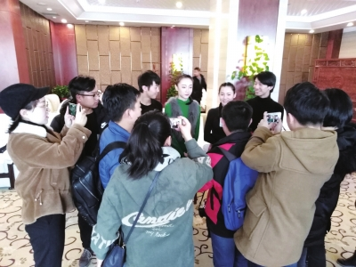 甘肃省庆祝改革开放四十周年全媒体采访走进兰州演艺集团
