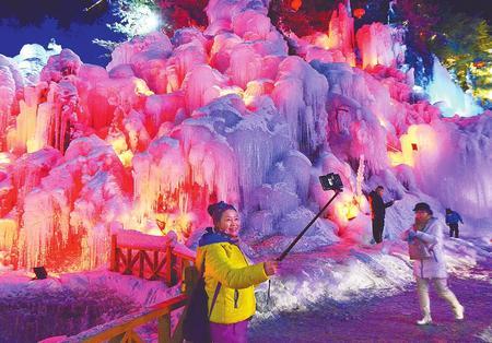 """临夏:冰雪旅游""""热""""寒冬"""