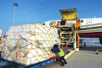 中川机场开通曼谷、河内国际货运航线 东南亚水果一天到兰州