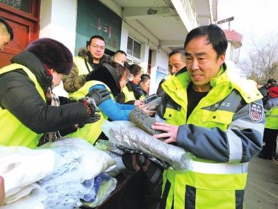 兰州:环卫工人收获冬日温暖