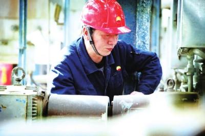 与乙烯装置操作技术共成长——记兰州石化公司技能专家孙青先