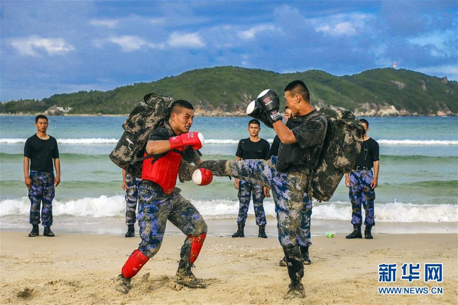 (图文互动)(3)锻造特种作战的利刃尖刀——海军陆战队某旅侦察营锤炼胜战精兵记事