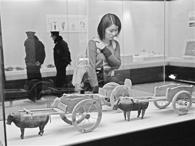 车尘马迹·丝路的交通与交流展昨日在甘肃省博物馆开展