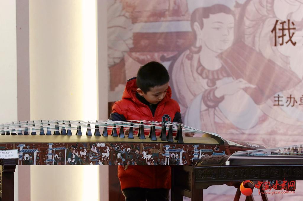 """在兰州知敦煌 甘肃艺术馆有个展览邀你共赏""""音画敦煌"""""""
