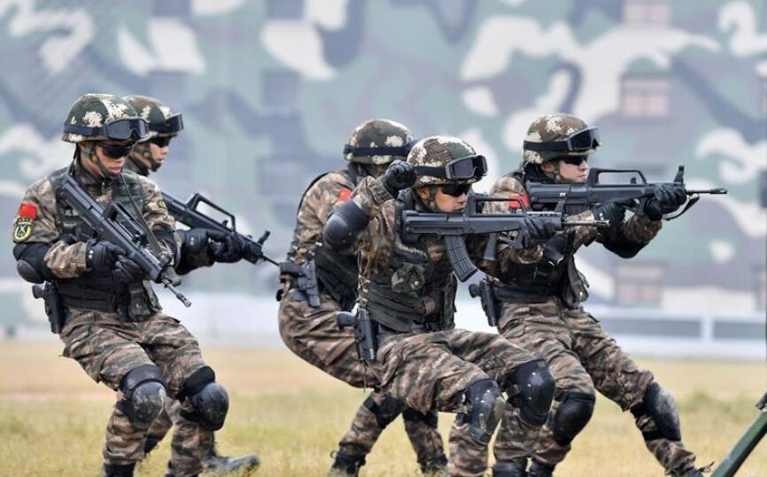 福建武警:特战训练砺精兵