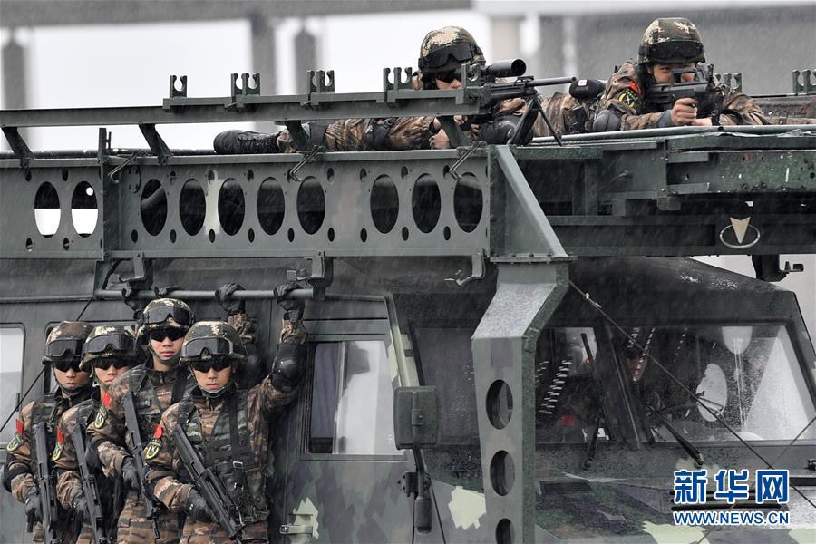 (军事)(2)福建武警:特战训练砺精兵