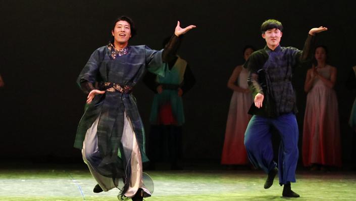 """【陇人相】台前幕后""""阿里郎"""" 翩翩起舞中韩情"""