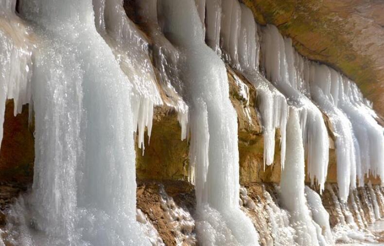 庆阳黑老锅:黄土高原上的地下冰宫