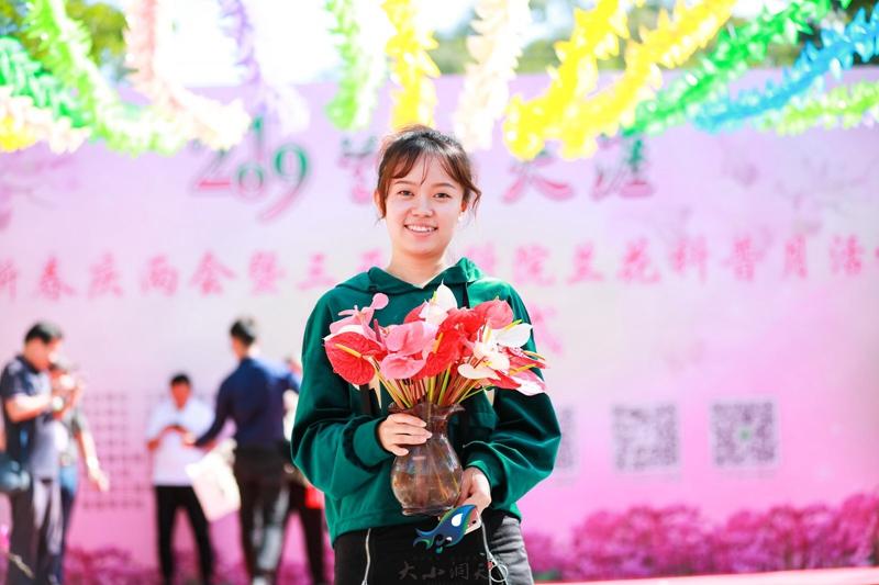 海南亞迎春蘭花展在臨春嶺公園舉行