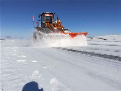 河西迎来今年首场中雪