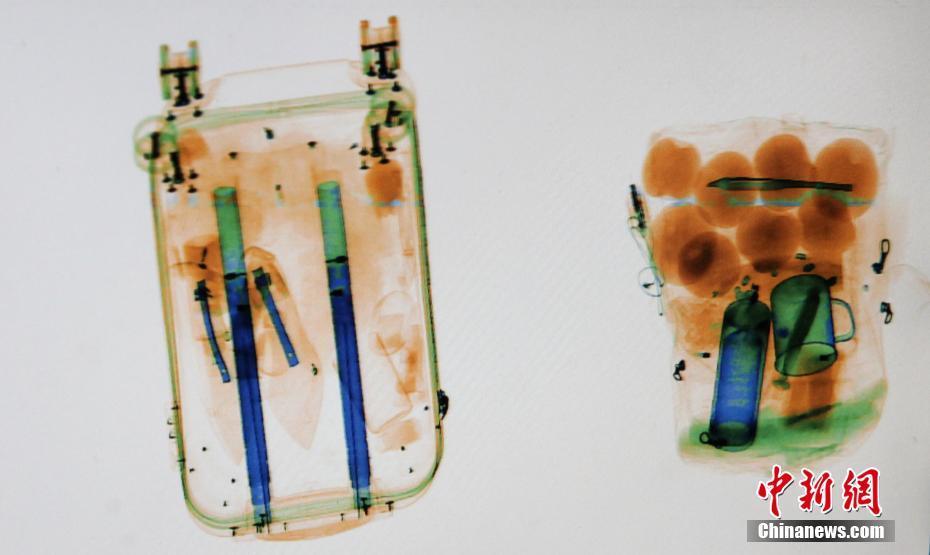 安检X光机下的春运归家图 宛如一幅幅水彩画