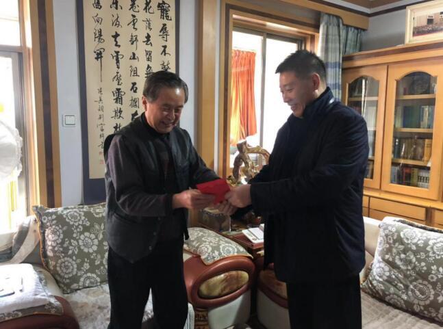 天水市文化和旅游局局长李玉进慰问离退休老干部老艺术家