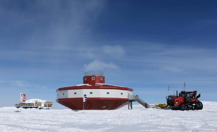 """中国南极科考队两支内陆小分队顺利""""会师"""""""