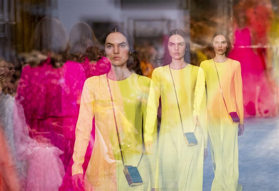 (国际)(2)纽约:博物馆里秀时尚