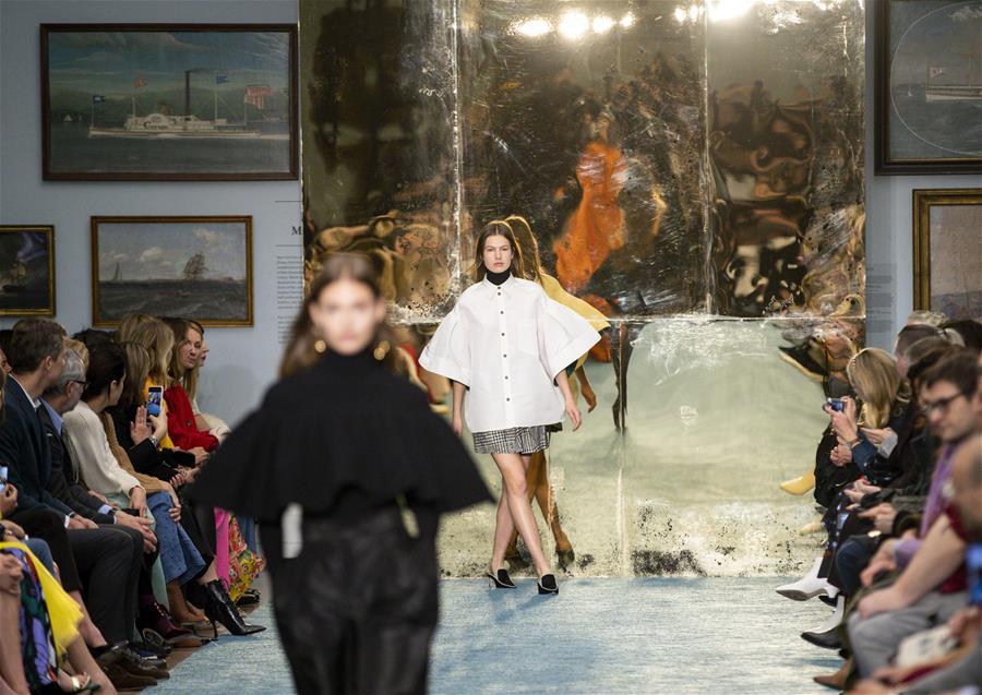 (国际)(6)纽约:博物馆里秀时尚