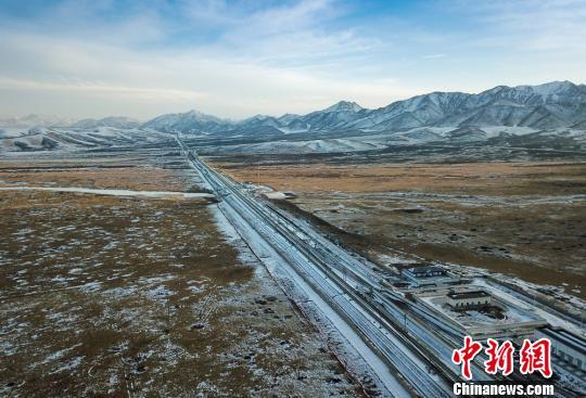 中铁意彩龙虎和局多措解客流岑岭 冰雪天暖和游客出行路