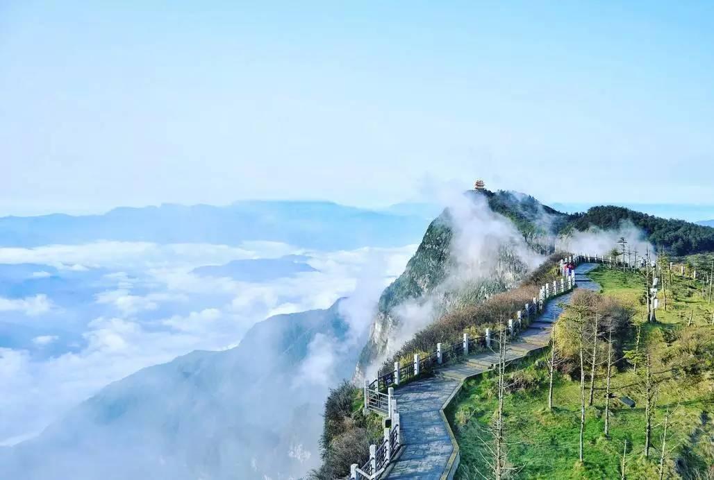 春节假期峨眉山接待游客22万人次