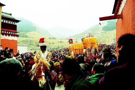 甘南夏河拉卜楞寺举行正月十三瞻佛节