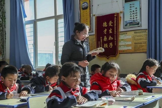 教育扶贫助格尔木迈向现代化