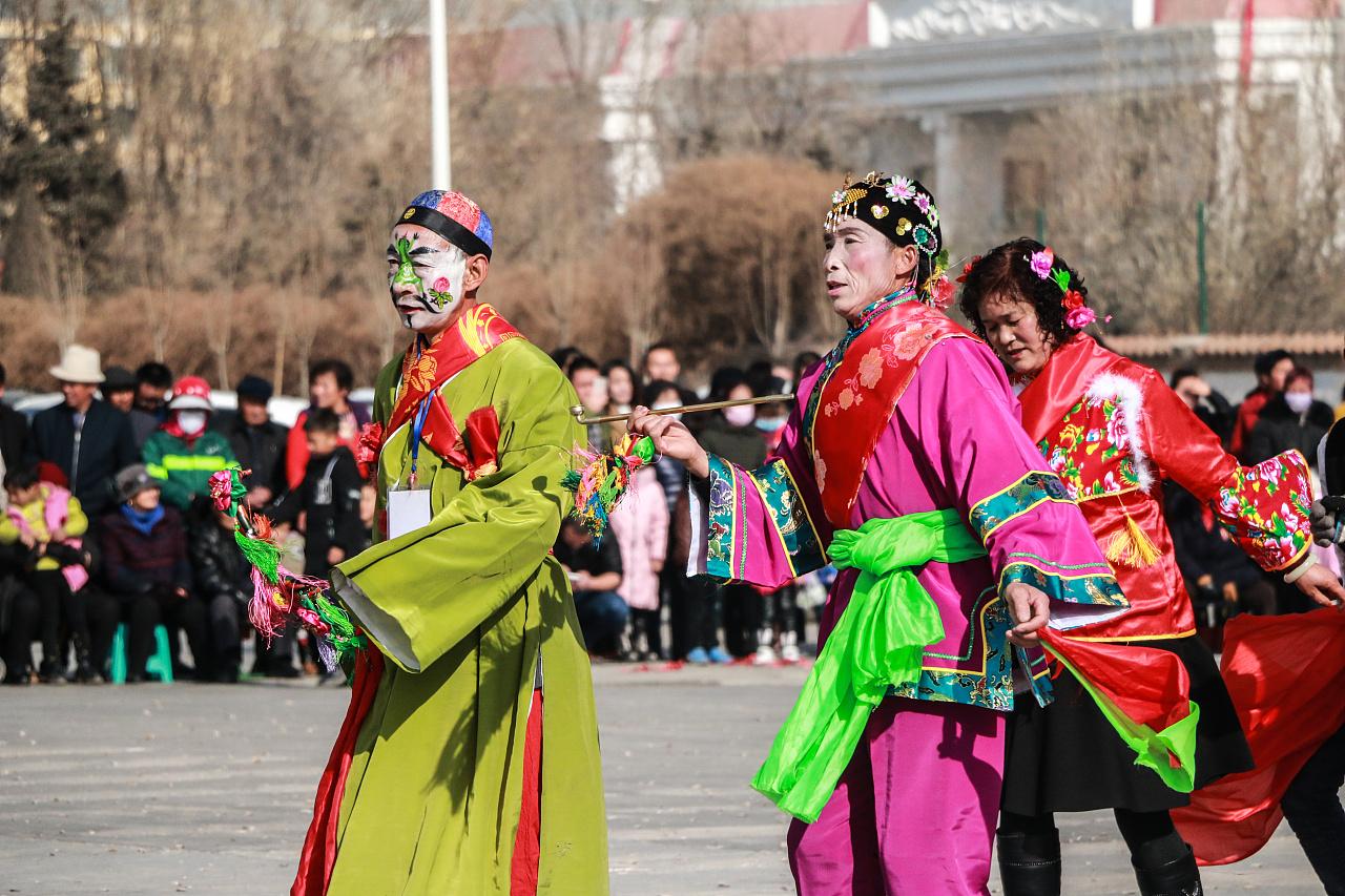 社火舞出民族和谐情