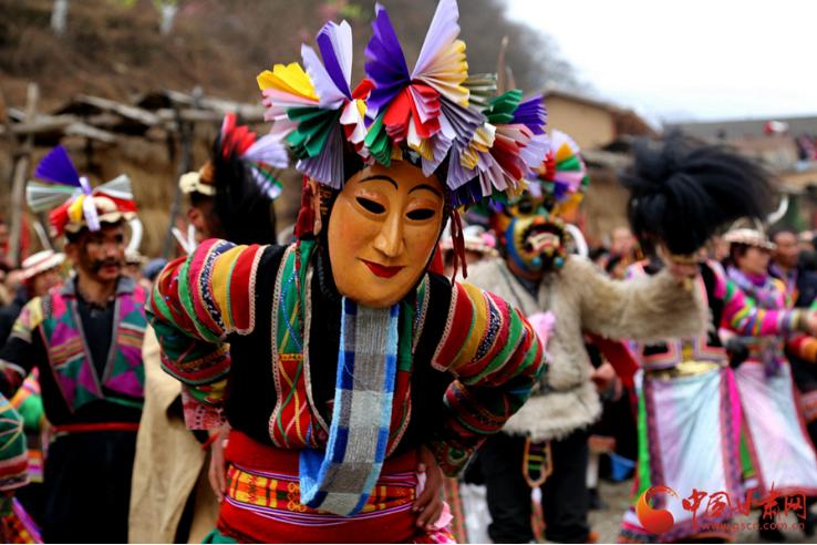 白马山寨迎新春 多彩民俗送吉祥