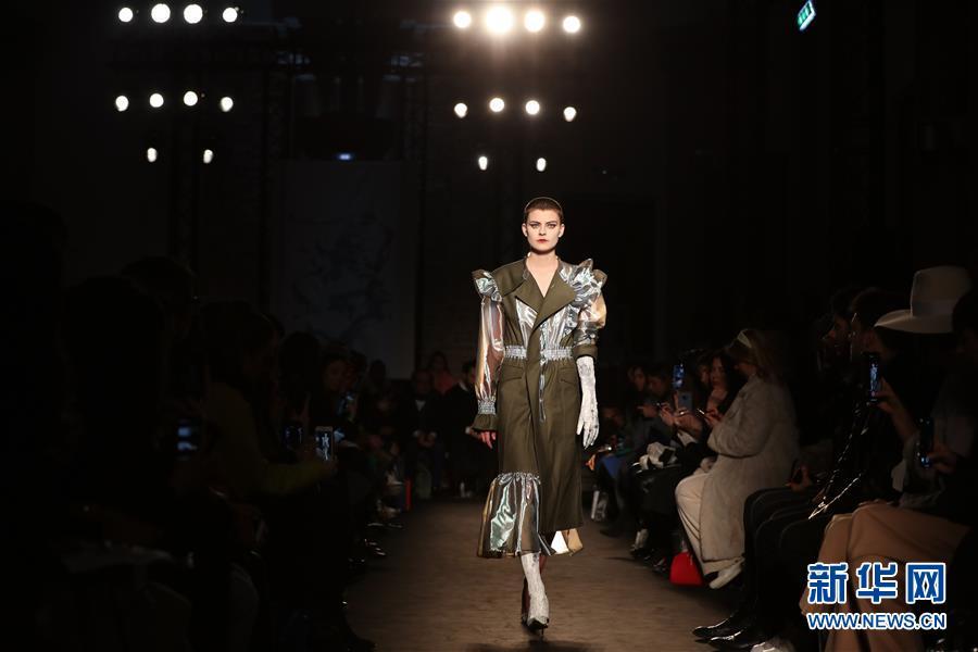 (国际)(1)米兰时装周:Atsushi Nakashima品牌发布2019秋冬新品