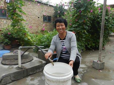 安装净化设备 加强水质检测  甘肃省强化贫困地区饮水安全保障水平