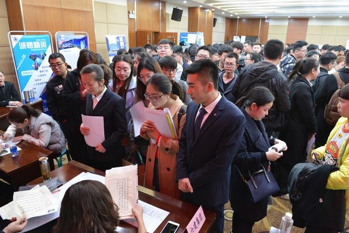 只为你来||建筑类专场招聘会在甘肃省人力资源市场盛大举办