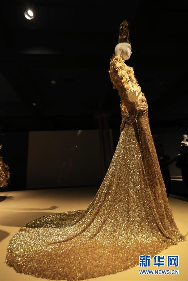 (国际·图文互动)(5)专访:中国文化是我的艺术创作之源——访中国著名时装设计师郭培