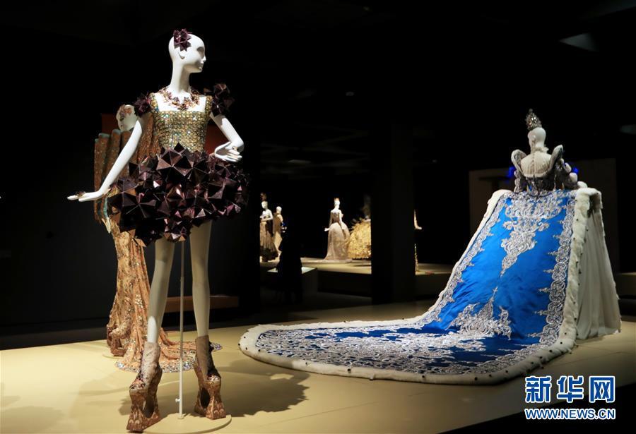 (国际·图文互动)(6)专访:中国文化是我的艺术创作之源——访中国著名时装设计师郭培