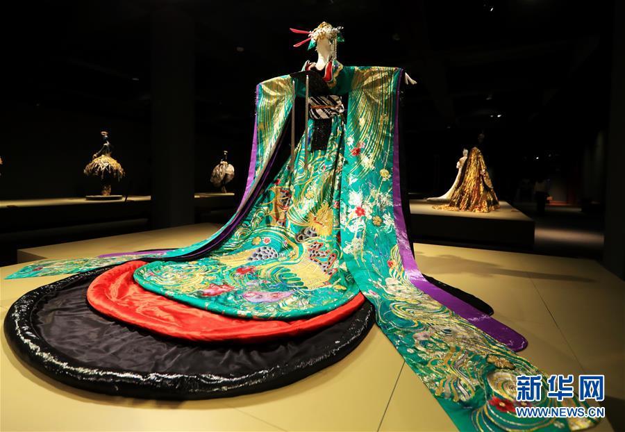 (国际·图文互动)(9)专访:中国文化是我的艺术创作之源——访中国著名时装设计师郭培