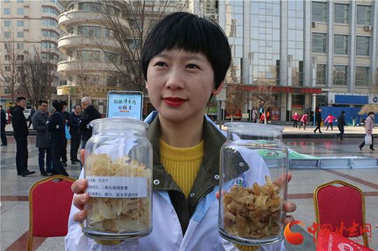 """甘肃省3·15消费维权现场活动在兰举行 """"维权+服务""""模式受好评(组图)"""