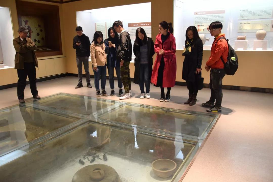 省级乡村旅游验收评估组调研天水市武山县博物馆