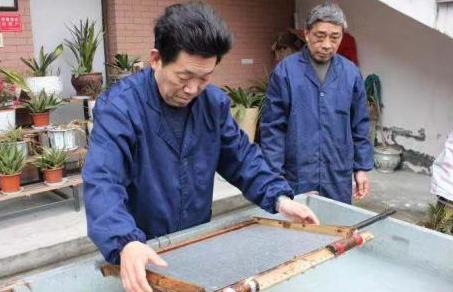 千年竹纸保卫者:老祖宗的工具不克不及丢