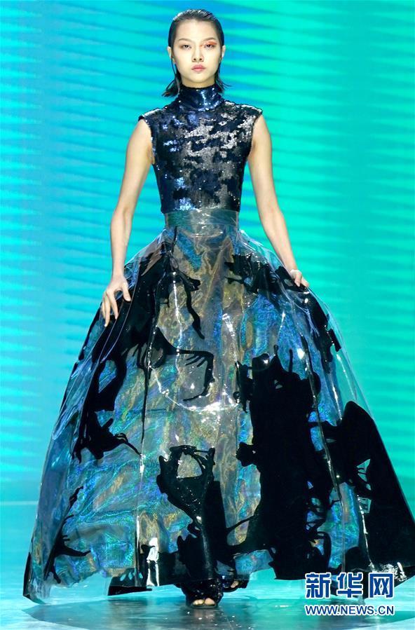 (文化)(5)中国国际时装周拉开帷幕