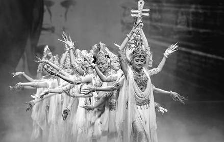《丝路花雨》在敦煌开启2019年春季首场演出(图)