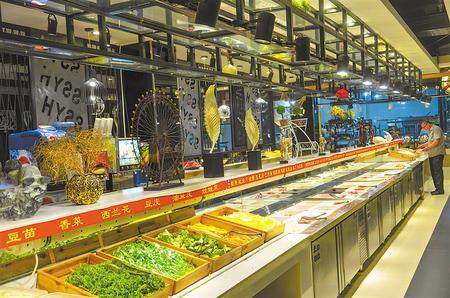 """嘉峪关市100%餐饮企业实现""""明厨亮灶"""",保障""""舌尖上的安全"""""""