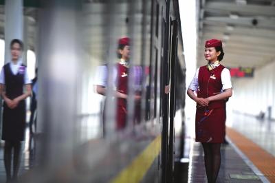 下个月兰铁集团加开17趟环西部火车游专列