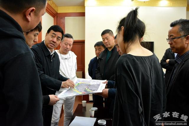 逯克宗会见著名建筑师、上海中心艺术总监米丘一行